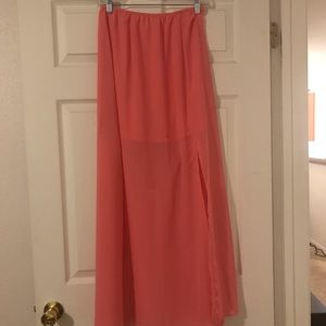 Lily White Maxi skirt. Style number 717358.